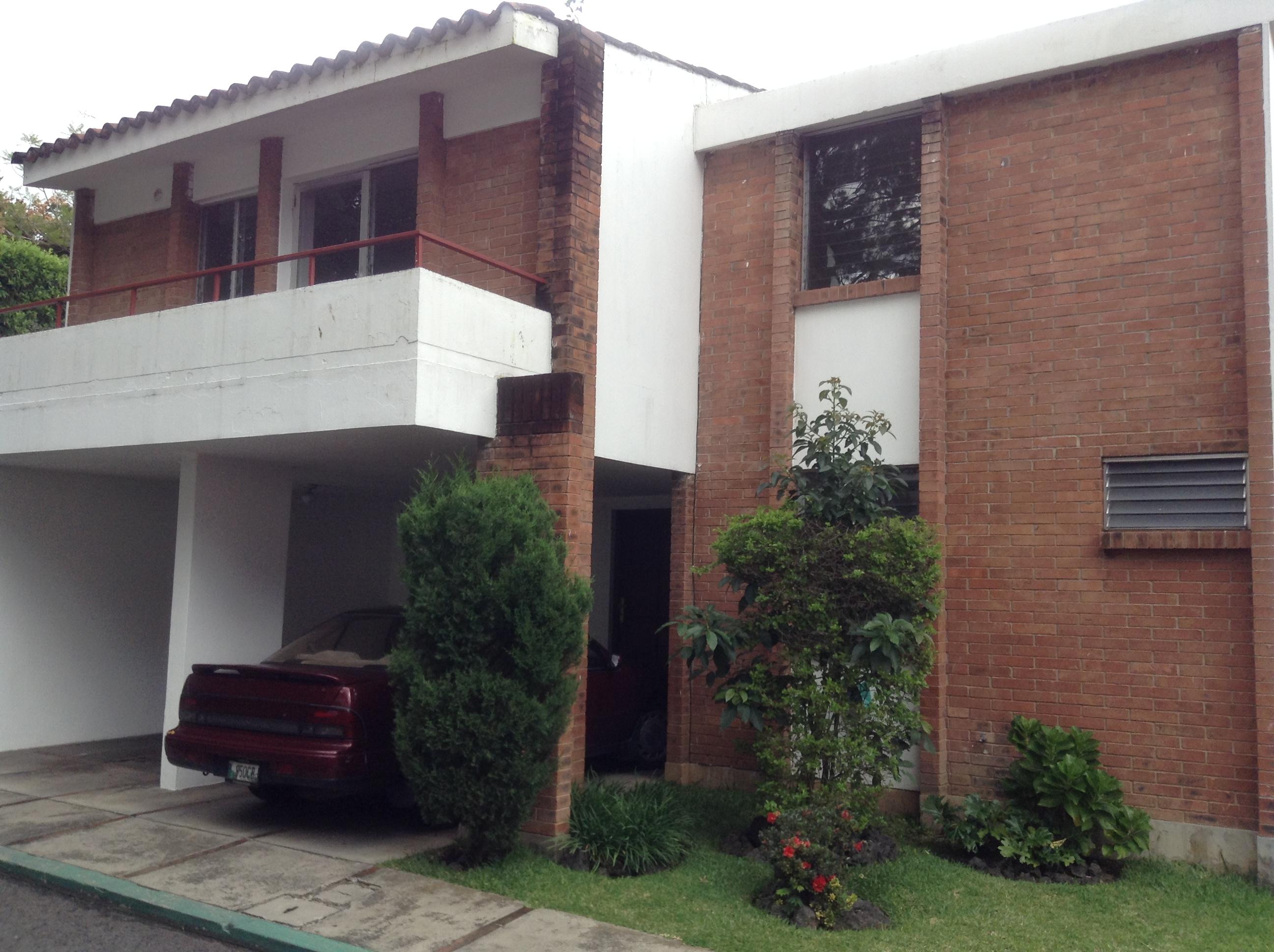 renta de casa con jardin zona 10 interzona inmobiliaria