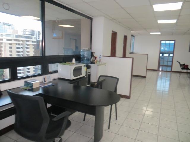 Renta de bonita oficina tabicada, Zona 10