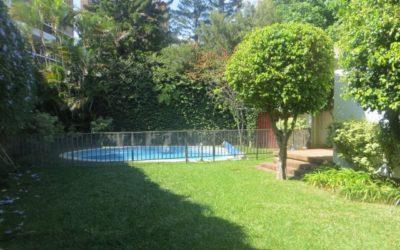 Renta de casa con Piscina, Las Conchas Zona 14