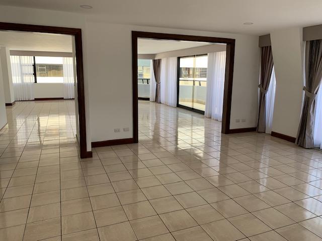 Apartamento de 278 mt2 en renta, Zona 14