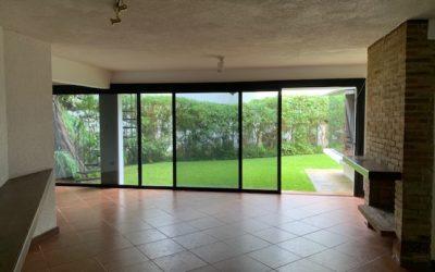Amplia casa de 5 habitaciones, Km 13.5 Carretera a El Salvador