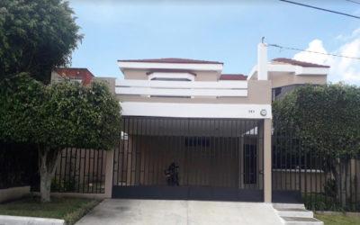 Casa de cuatro habitaciones y jardín, km 15.8 Carretera a El Salvador